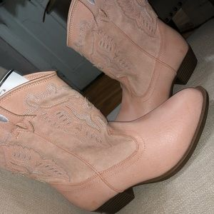 Frye pink cowgirl boots (kids)